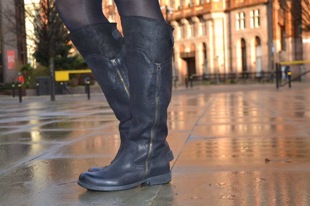 Clarks Merryn Moor Black Leather Boots