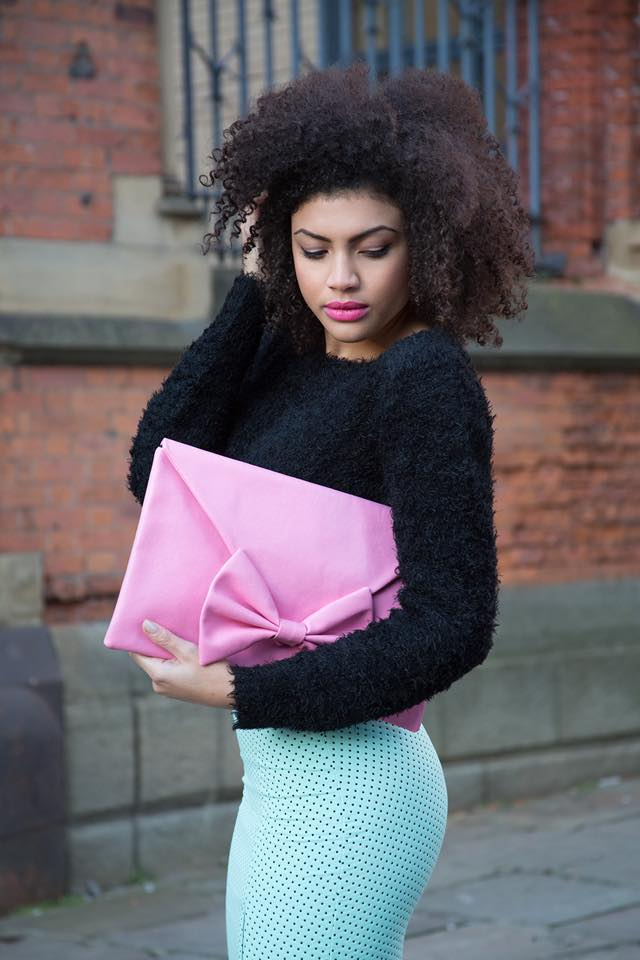 Samio Pearls & Lipstick Clutch Bag Photographer - Lee Diment