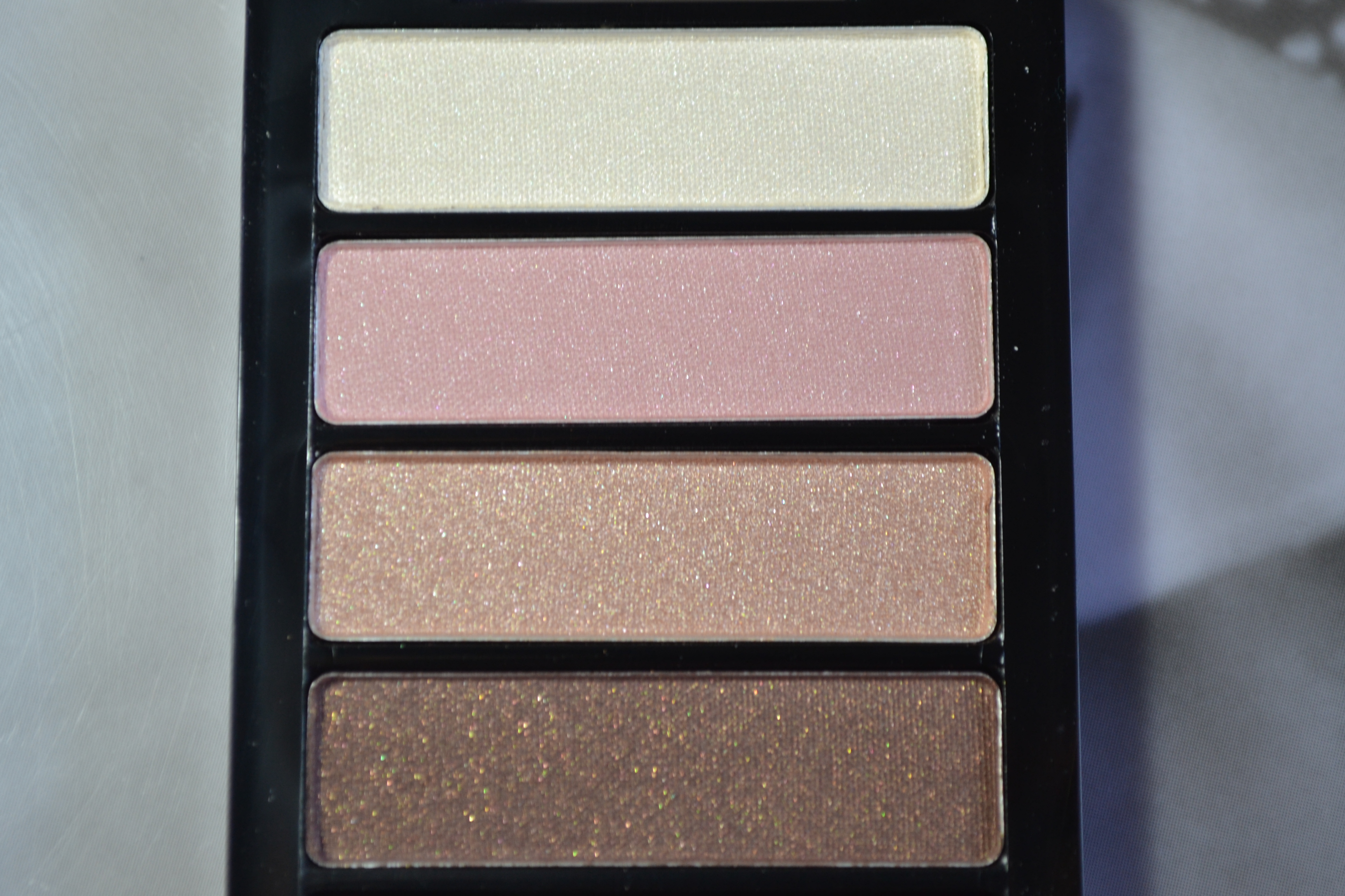 H&M Natural shimmery eyeshadows