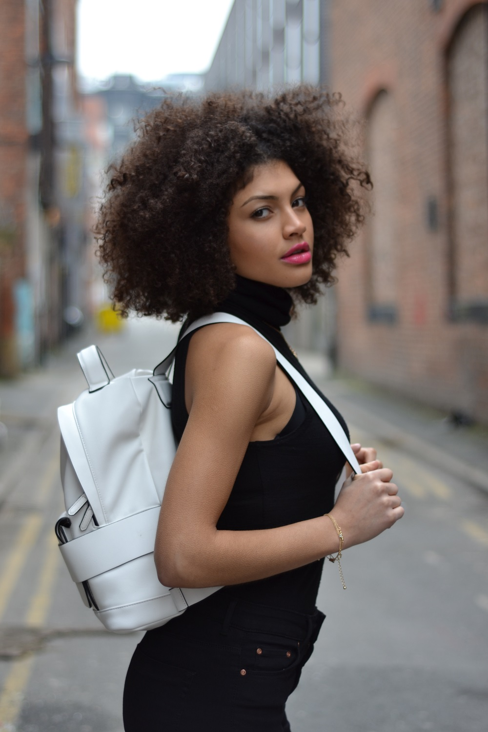 White Zara Trafaluc Backpack with straps