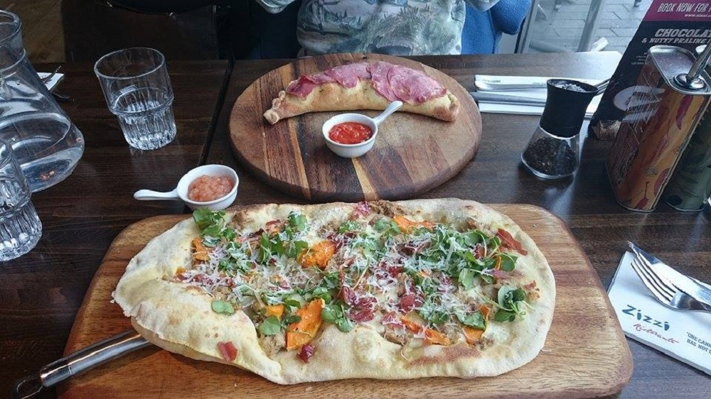 Zizi pulled pork pizza
