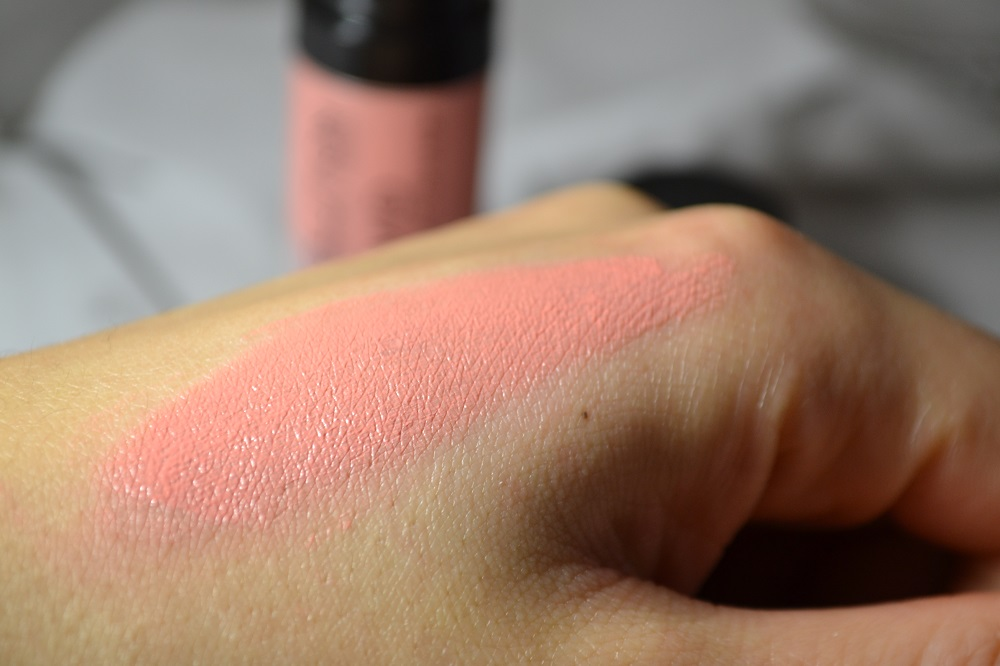Makeup Revolution Blush Lacquer Heart Swatch