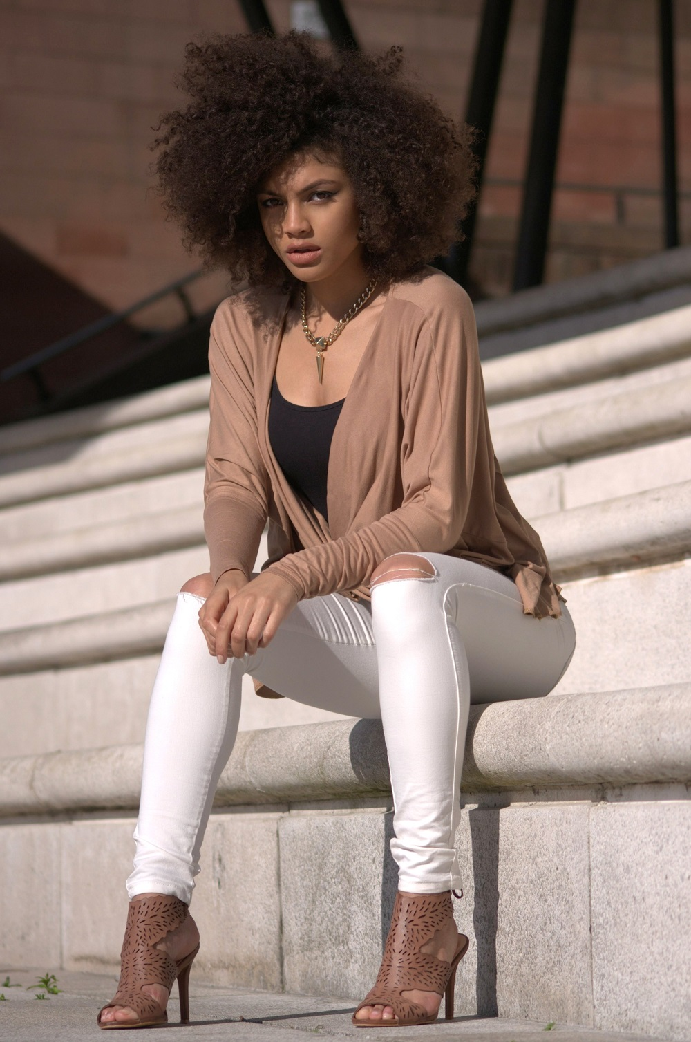 White Ripped Skinny Jeans & The Camel Twist Top