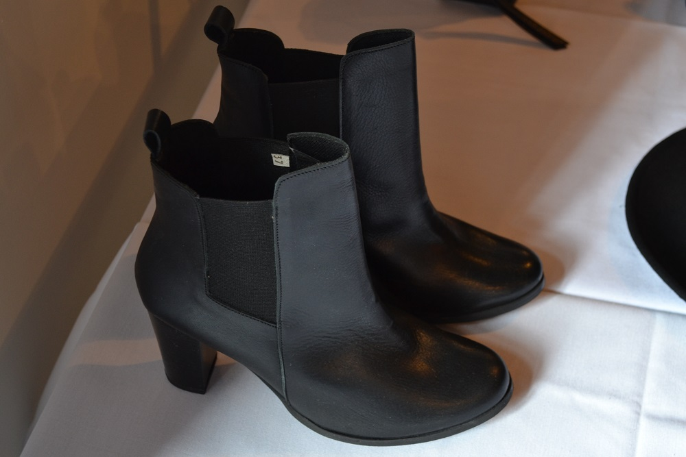 Balsamik ladies ankle boots in black leather