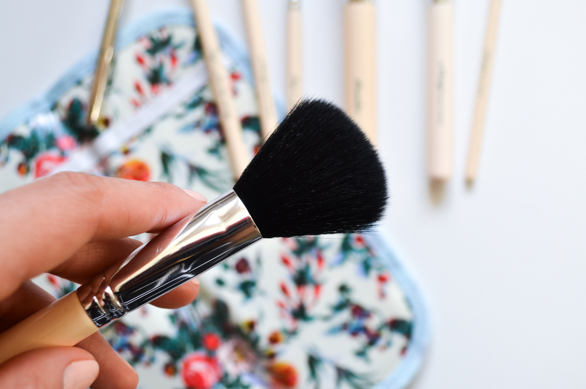 The Vintage Cosmetic Company Blusher Brush Review