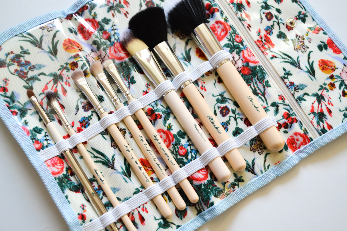 The Vintage Cosmetic Company Makeup Brushes Samio