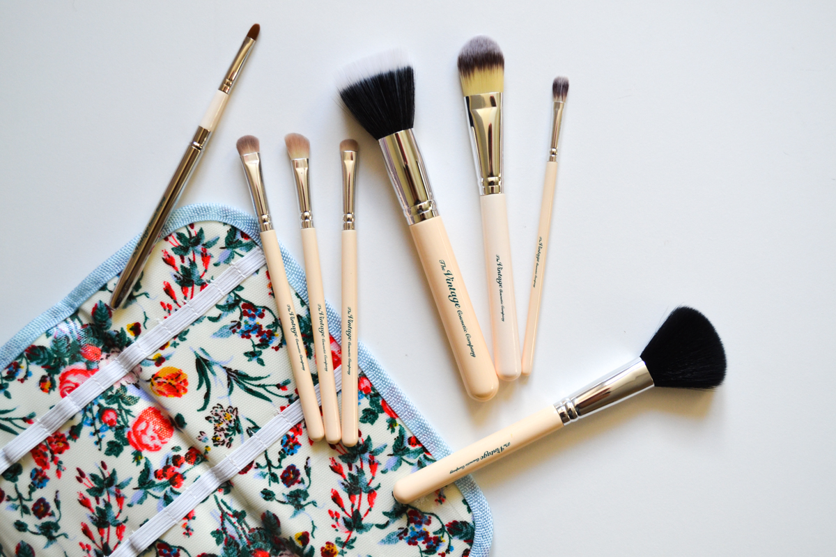 The Vintage Cosmetic Company Makeup Brush Review
