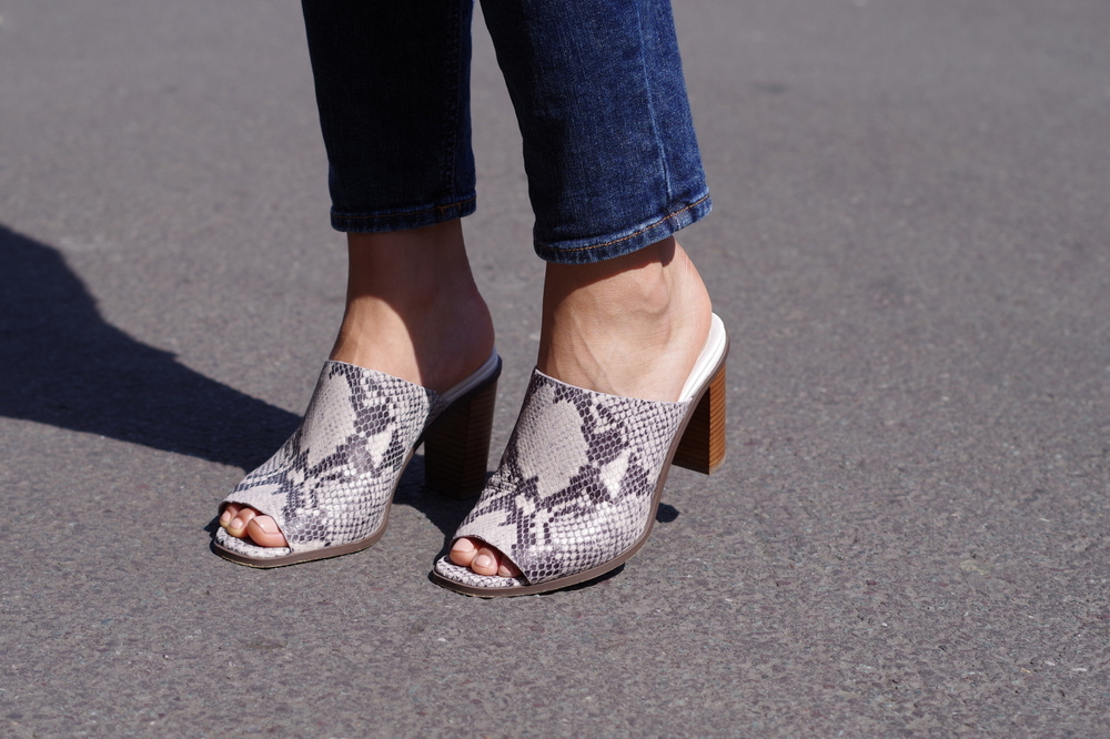 Clarks Image Gallery Natural Snake Mules