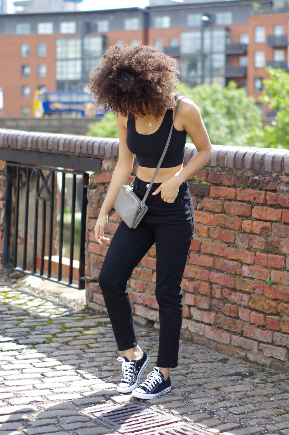 ASOS FARLEIGH High Waist Slim Mom Jeans In Clean Black
