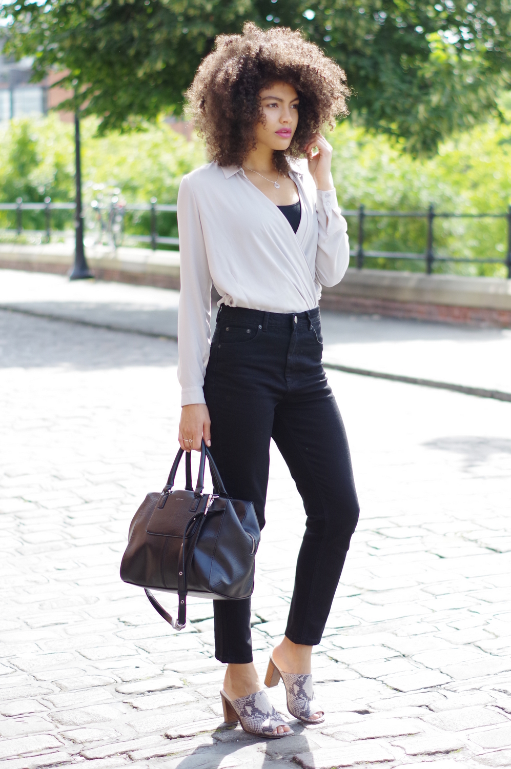 Black Slim fit mom jeans outfit
