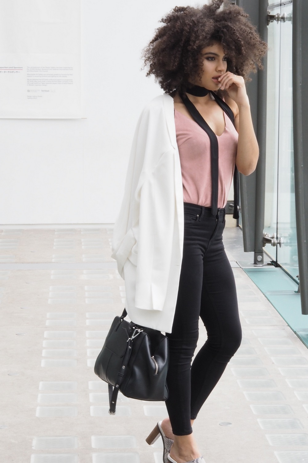 Dressy casual minimal outfit