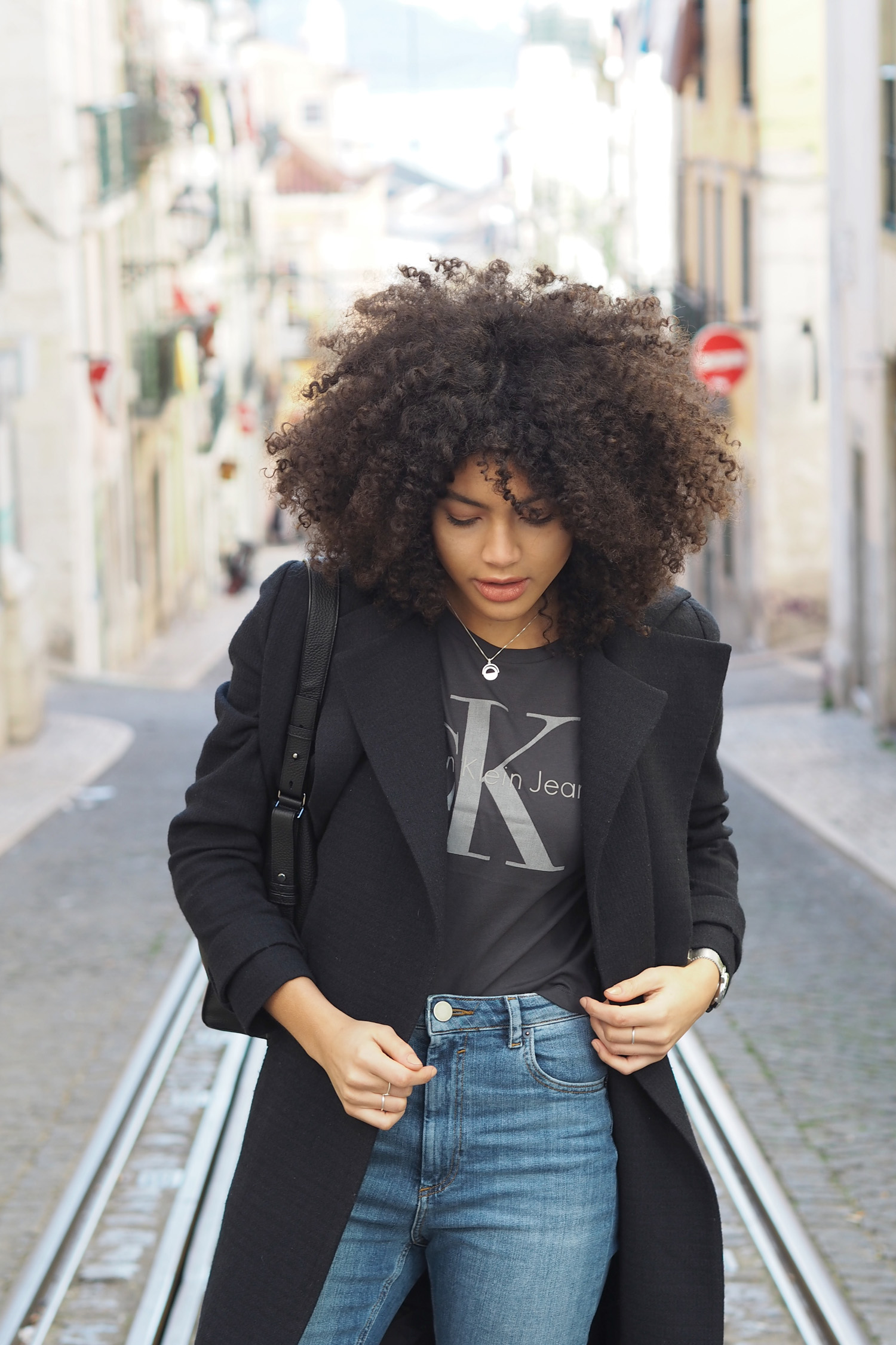 CALVIN KLEIN Tshirt outfit styling