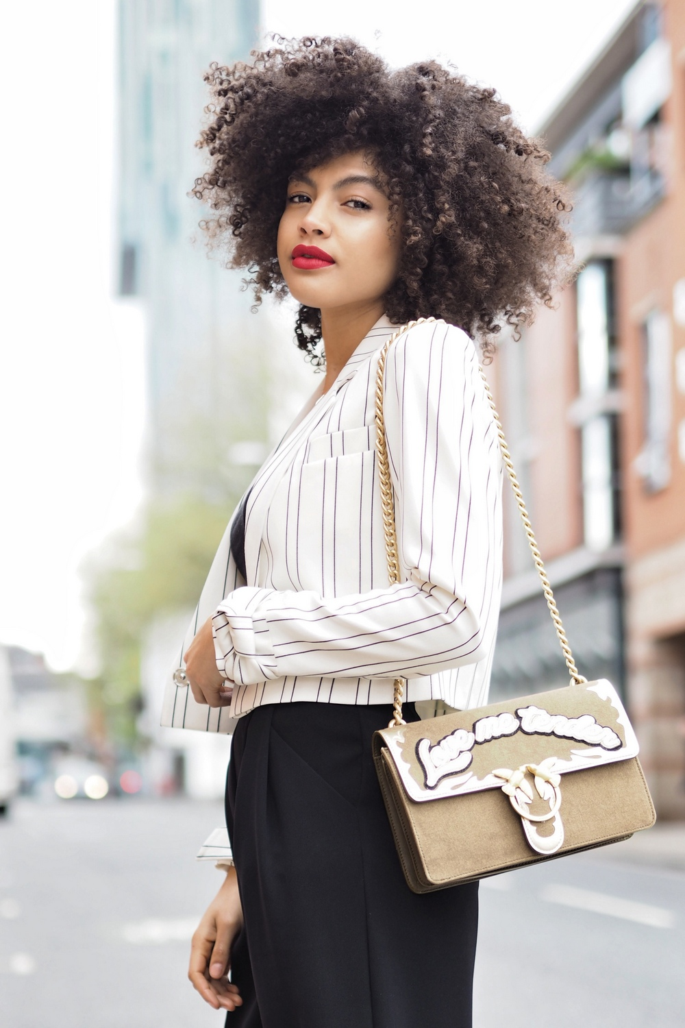 How to style a cropped blazer jacket