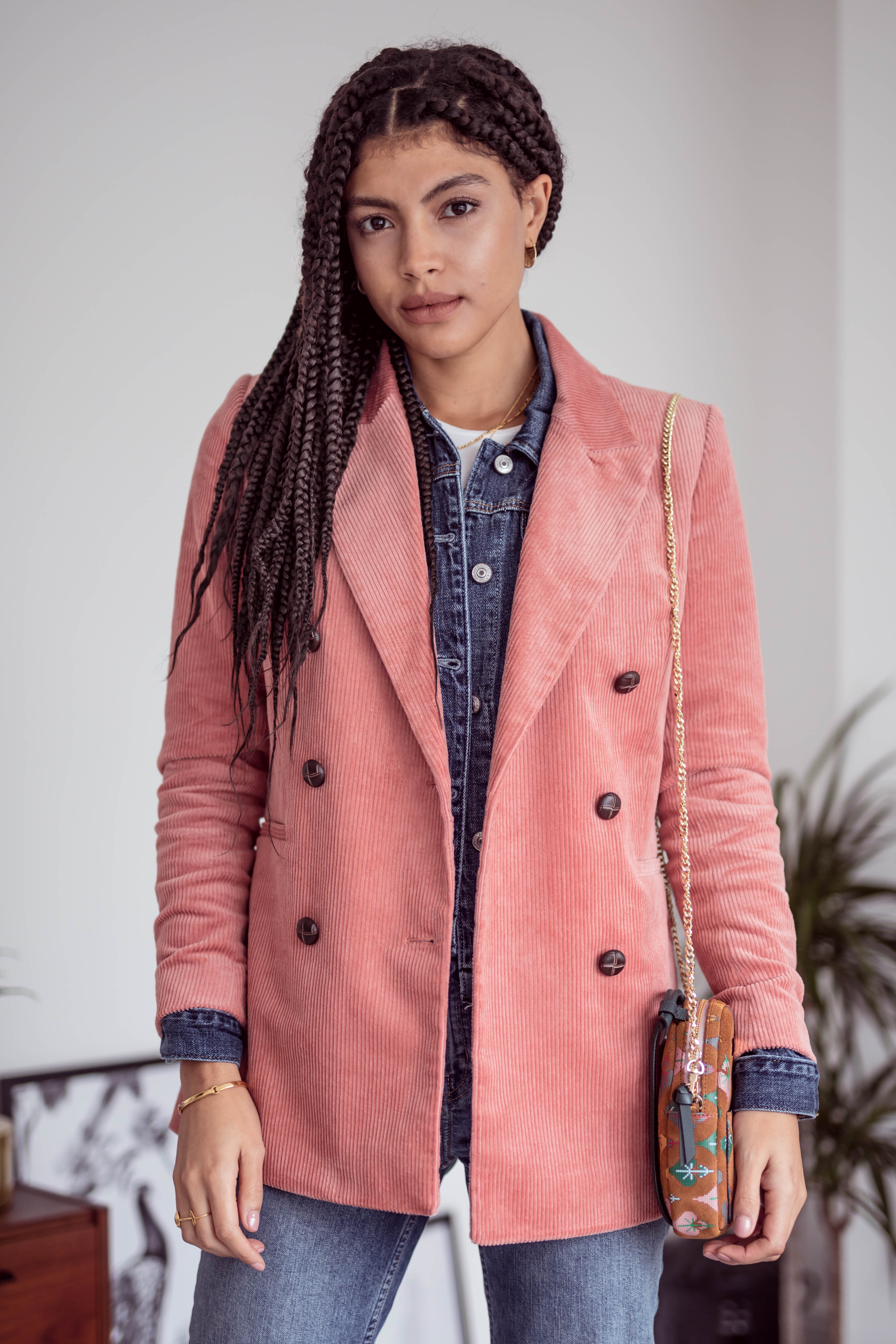 3 ways to wear and Other Stories pink double breasted corduroy blazer layering everyday outfits Autumn Winter 2018
